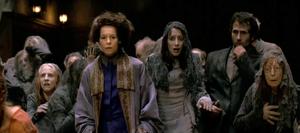 Christabella i jej poplecznicy przerażeni