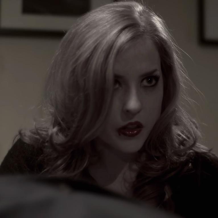 Blonde Vampiress (Vampyre Vodka)