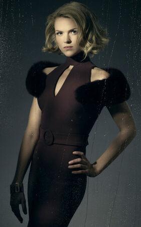 Gotham-Season-3-Portrait-Barbara-Kean-gotham-39819048-375-500.jpg