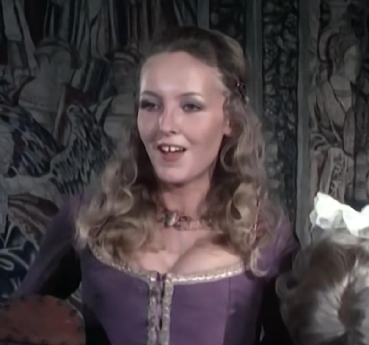 Doalfe/Lady Nottingham (Benny Hill)