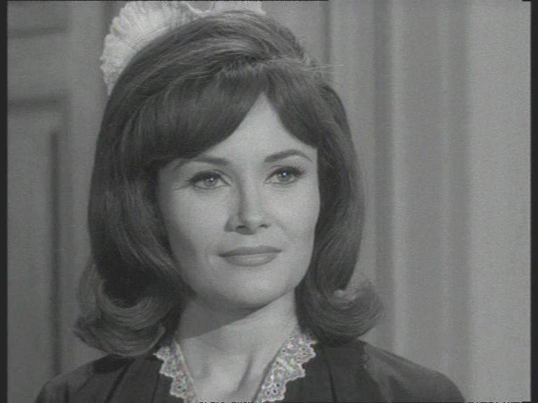 Annette (Honey West)