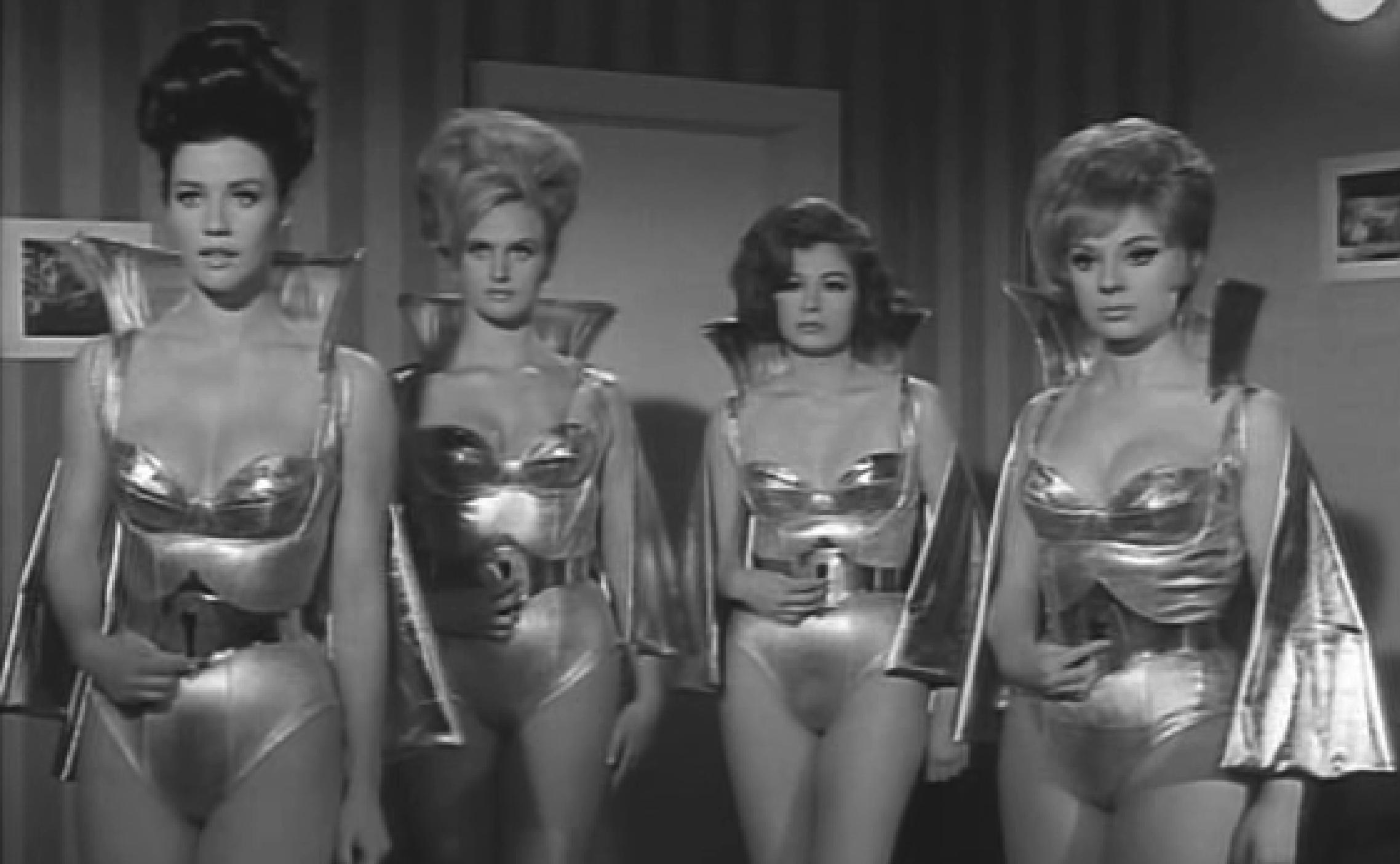 Martian Women (Santo vs The Martian Invasion)