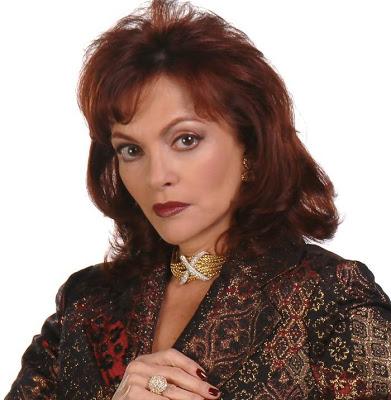 Doña Valeria Del Castillo (Rosalinda)