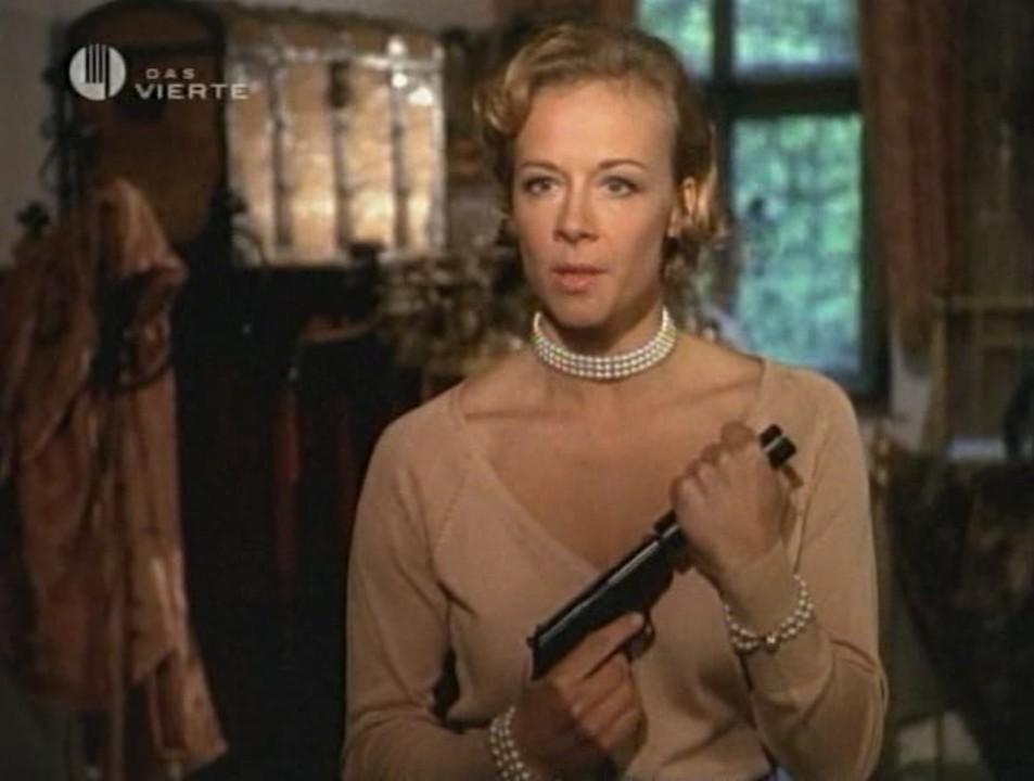 Elsa Hellerstadt (Hart to Hart: Till Death Do Us Hart)