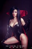 Dark-Queen-Cosplay-Gamers-Heroes1