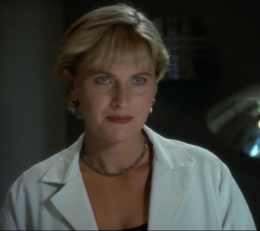 Dr. Gretchen Kelly (Lois & Clark)