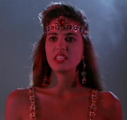 Evil Queen (Dangerous Seductress)