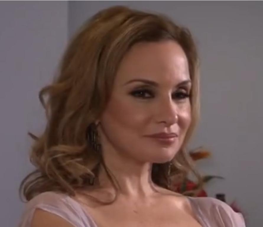 Terri Ross (Lesbian Stepmother)