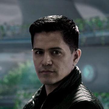 S01E02-JayHernandez as DimitriHavelock 01d.jpg