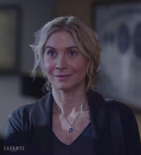 S03E02-ElizabethMitchell as AnnaVolovodov 03c