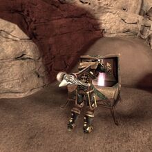 Fable3-aurora-opening-chest.jpg