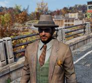 FO76 Заплатанный костюм и шляпа