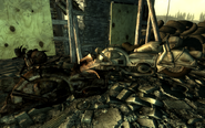 FO3 Flooded metro Raider camp Motocycles