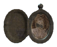 Annikas locket.png