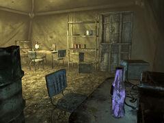 FO3 abandoned tent interior.jpg
