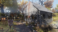 FO76 Alpine River Cabins (01)