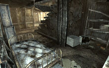FO3 Megaton Craterside Supply bedroom