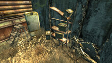FO3 Grisly Diner backyard