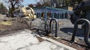 FO76 191020 Morgantown blue bicycle