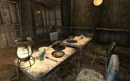 FO3 Simms's house Dining table