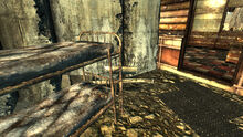 FO3 Grisly Dyner bunk bed