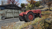 FO76 21020 Red tractor