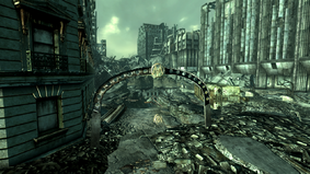 Fo3 GTown2TM Metro ext.png