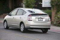2004 Toyota Prius a.jpg