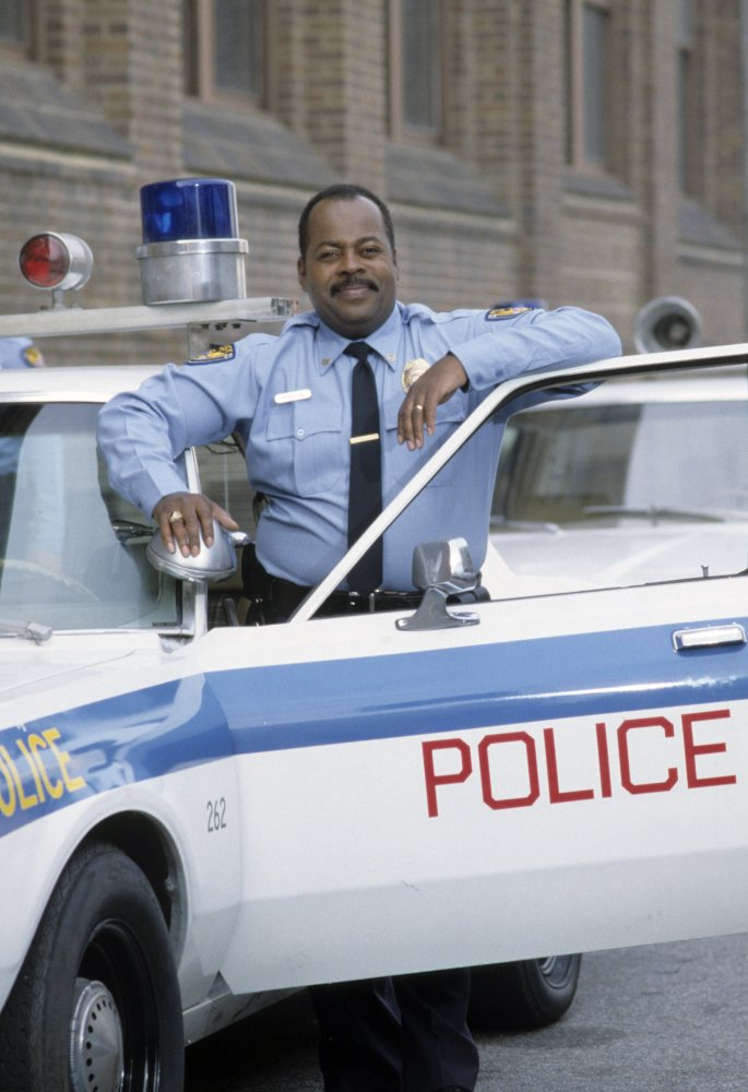 Reginald as Officer Carl.jpgSee full size image  Added by Dean Orbong Posted in Carl Winslow