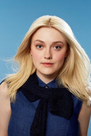 Dakota-fanning-and-tom-odell-star-in-new-uniqlo-campaign 7.jpg