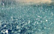 Foto-van-een-plas-water-met-regendruppels-hd-regen-wallpaper.jpg