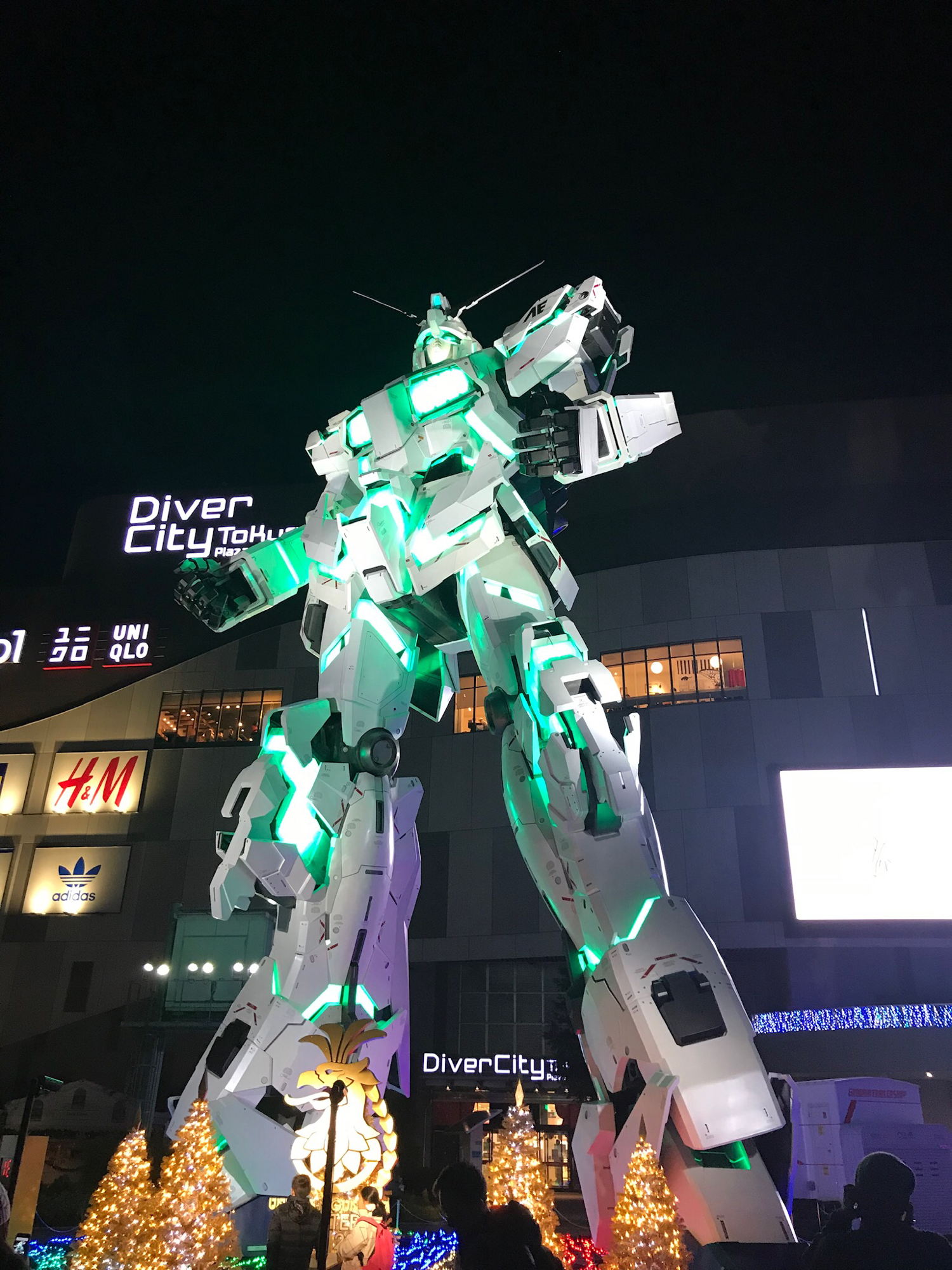 I went to the GUNDAM base in Japan!!