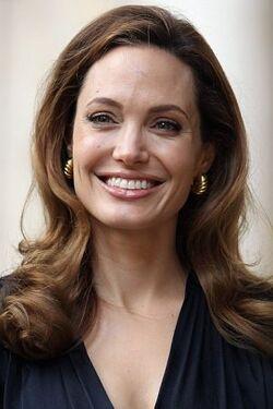 Angelina Jolie2014.jpg