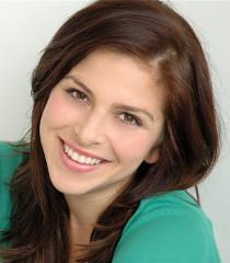 Alexa Kahn