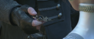 Nyx gives the hairpin to Lunafreya in KGFFXV