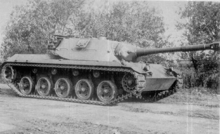 Spähpanzer RU-251
