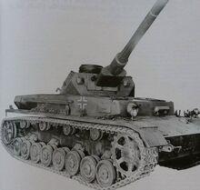 Panzerkampfwagen IV Ausf F2 L70.jpg