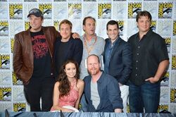 Nathan-Fillion-and-Firefly-Cast-at-Comic-Con-2012-nathan-fillion-31466046-500-332.jpeg