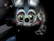 Toy Bonnie mirando fijamente la cámara