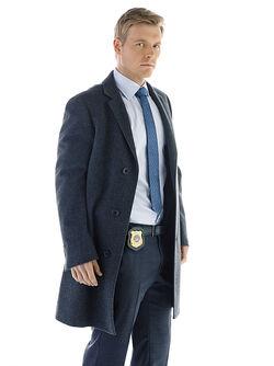 Eddie Thawne Pose.jpg