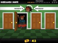 Rhonda en Hallway Hunt2