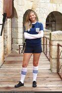 Fort-boyard-2020-officielle-equipe01-27-Camille Cerf