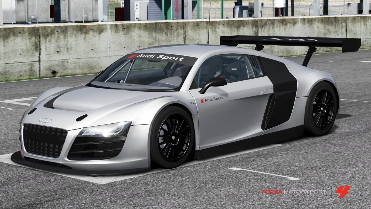 Audi R8 LMS Show Car