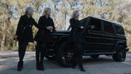 TG-Caps-1x11-3-X-1-124-Phoebe-Esme-Sophie