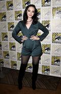 San-Diego-Comic-Con-2018-09-Emma-Dumont