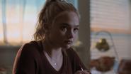 TG-Caps-1x01-eXposed-37-Lauren