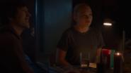 TG-Caps-1x05-boXed-in-121-Andy-Lauren