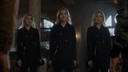 TG-Caps-1x11-3-X-1-133-Phoebe-Esme-Sophie