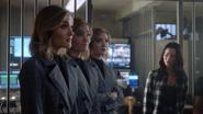 TG-Caps-1x12-eXtraction-07-Phoebe-Esme-Sophie-Blink