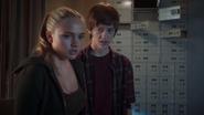 TG-Caps-1x05-boXed-in-46-Lauren-Andy